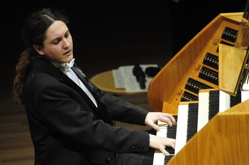 Organist Balázs Szabó