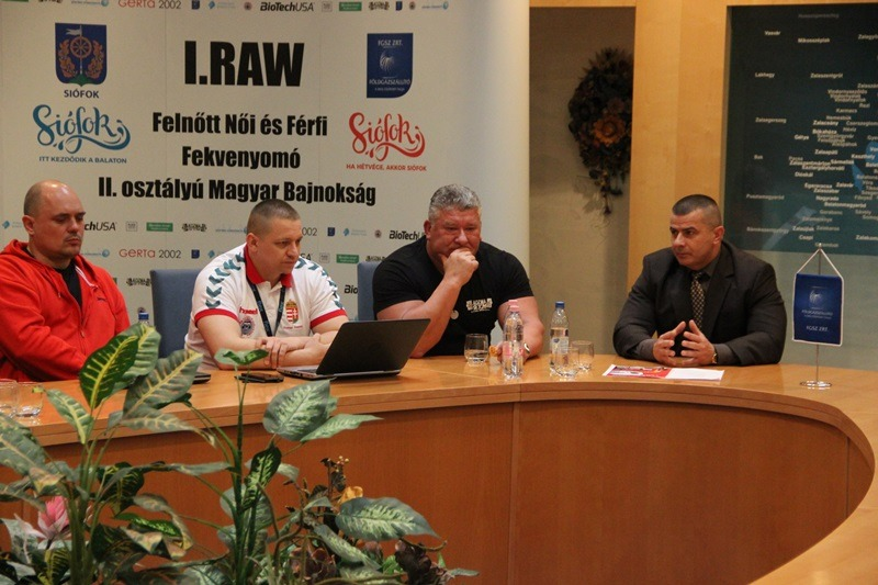 Foto Pressekonferenz: Tünde Török