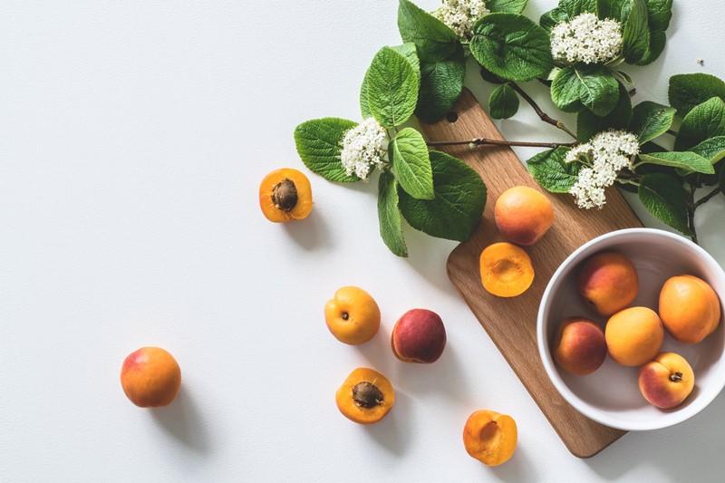 Holunder und Aprikosen